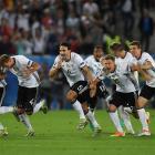 Германия в серии пенальти одолела Италию