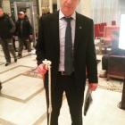 Казахстанские болельщики подарили плетку Билялетдинову