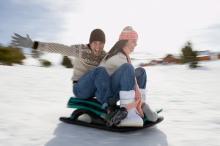 Санки — зимняя забава для всех желающих