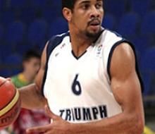 УНИКС подписал контракт с американским баскетболистом
