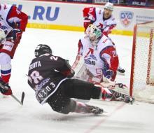 «Локомотив» проиграл «Трактору» и прервал победную серию из 13 матчей