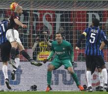 «Милан» в дерби разгромил «Интер»