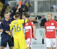 Комбаров получил два матча дисквалификации