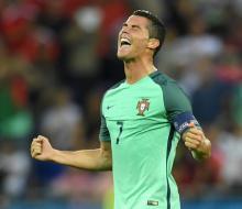 Португалия обыграла Уэльс и вышла в финал Евро