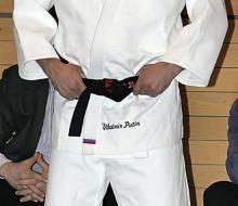 Путин получил девятый дан по тхэквондо
