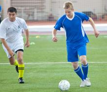Чиновники, журналисты и предприниматели сыграли в мини-футбол