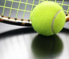 Модные занятия! Скидка до 70% на йогу-пробуждение или большой теннис в молодежно