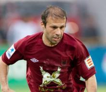 Гёкдениз Карадениз продлил контракт с «Рубином»