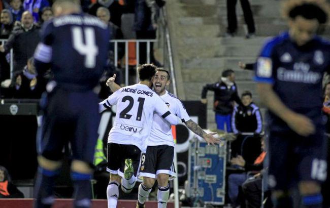 Реал в меньшинстве упустил победу в матче с Валенсией